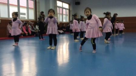 小萝莉之舞蹈展示课5