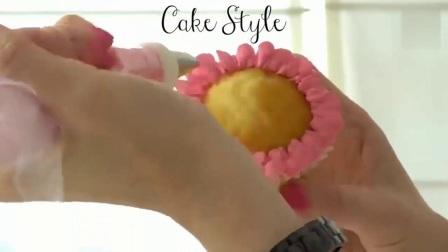 家庭生日蛋糕的做法_最新款式生日蛋糕_生日蛋糕简单做法_欧式生日蛋糕制作视频8
