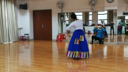 老师藏舞组合演示《献给妈妈的歌》