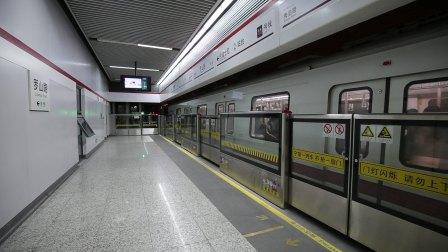 上海地铁十一号线出罗山路站