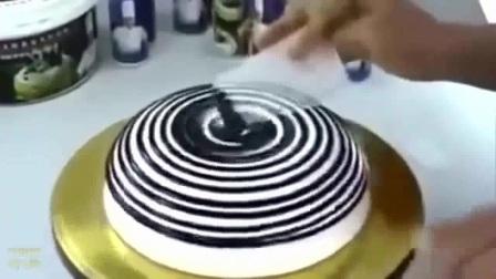 卡通羊彩绘蛋糕卷