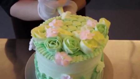 学蛋糕裱花师学  韩式裱花奶油霜的做法 奥 韩式裱花图
