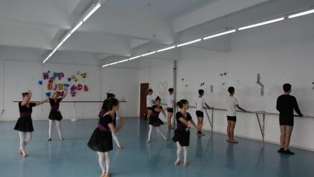 南昌影视传播职业学院 表演艺术学院 2017级舞蹈表演大专班期末基训考试(一)