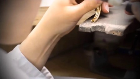 1111全球最大珠宝平台-Van Cleef & Arpels Perlée perles d'or 珠宝系列:层叠的珠饰