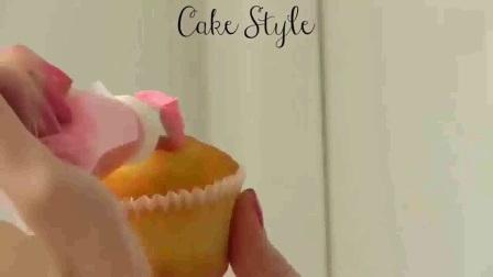 怎样做生日蛋糕_如何做生日蛋糕_学做水果蛋糕_蛋糕裱花制作方法9