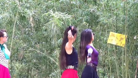 北京紫竹院公园广场舞《借点情借点爱》20170617