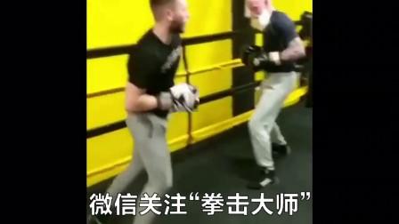 拳击大师:老年人同样可以进行拳击训练