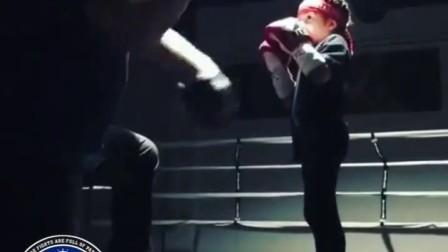 拳击大师:7岁小女生拳击训练
