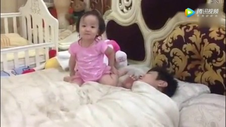 这就是女儿和儿子叫爸爸起床的区别,看完想要个女儿