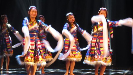 藏族舞蹈【洗衣舞】云南民族大学 少数民族舞蹈大赛