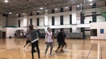 【奔狍小剧场】鹿BOSS篮球赛的心跳时刻