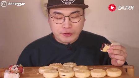 韩国大胃王: 吃播豪放派donkey弟弟ASMR吃超多香脆酥皮红豆沙馅饼