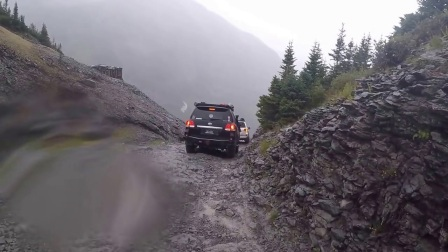 200 Series Toyota Land Cruisers on Blackbear Pass in the rain