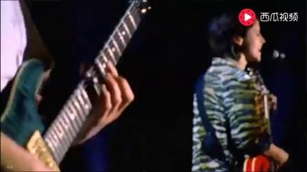 小红莓乐队1999年巴黎演唱会,万人空巷-《Promises》