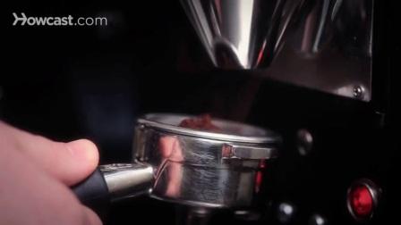 如何在拉花艺术中使用巧克力粉
