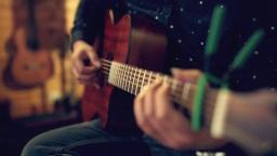 周杰伦《等你下课》吉他弹唱—武汉光之谷音乐