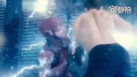 《正义联盟》超人复活这段太帅了,尤其当超人扭过头看闪电侠的那一刻,震撼到全身起鸡皮疙瘩!