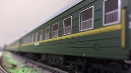 火车模型长鸣出品  NY7-0012号机车出发