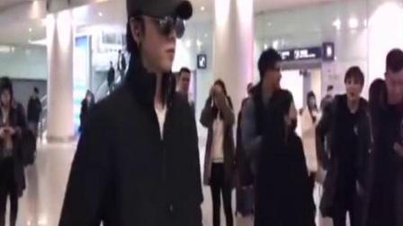 网友三亚偶遇华晨宇,真人跟照片差距有点大