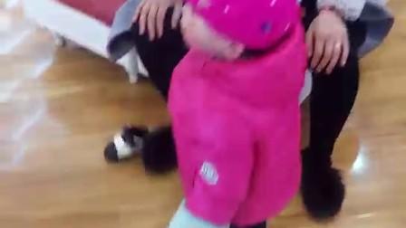 小王美女买新鞋了-【万源张粑科技】