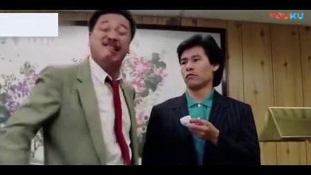 吴孟达拍黑社会老大也能拍出滑稽搞笑的感觉, 不愧是影帝级的演员