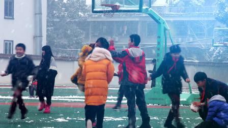 快来打雪仗,义外学生雪中抖音