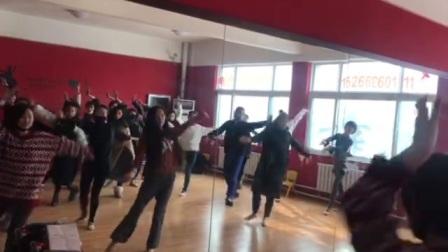 潍坊传奇舞蹈 不忘初心排练