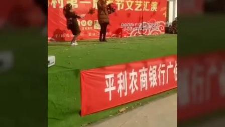 塘坊村首届春节文艺汇演之十七——歌曲《一剪梅》