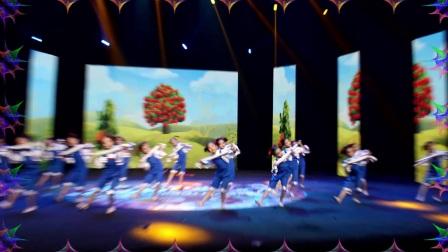 5+舞艺术培训学校2018年赴山西少儿春晚表演舞蹈《劳动最光荣》