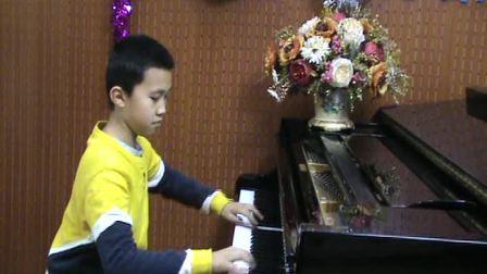 郑州小学生钢琴即兴演奏《梁祝》