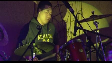 王天天乐队2011年演出视频《将军》