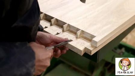制作精美的榫卯实木鞋柜