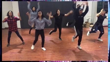 新青年春节联欢晚会-爵士舞《24K magic》