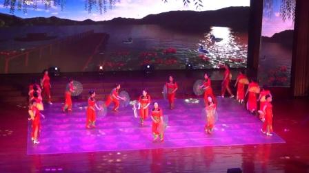 木兰枫叶在2018年围场满族蒙古族自治县春晚表演的旗袍舞《又唱浏阳河》