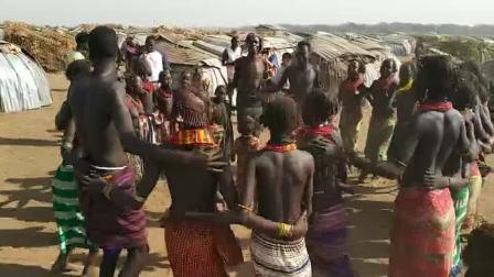 埃塞俄比亚原始土著大三尼奇(Dassenech)部落舞蹈