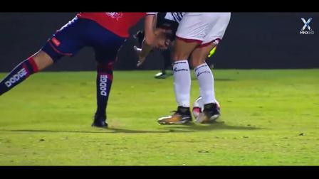足球比赛恐怖受伤瞬间