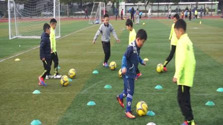 【6岁半】12-9哈哈足球训练,带球停球后头部屁股触球MAH07454
