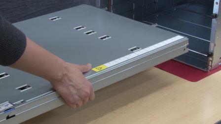 Lenovo ThinkSystem SD650 Install DWC Tray into the Enclosure