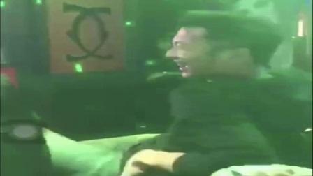 王菲谢霆锋在日本过元宵节,被拍到一起唱k,甜蜜互动让人吃不消!