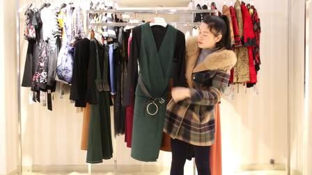 精品时尚服装批发女装批发春秋款两件套15套起批,可零售挑款混批