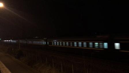 萧甬铁路2018年春运Z32次 绍兴市东浦镇高桥立交桥东侧引桥拍车 萧甬线