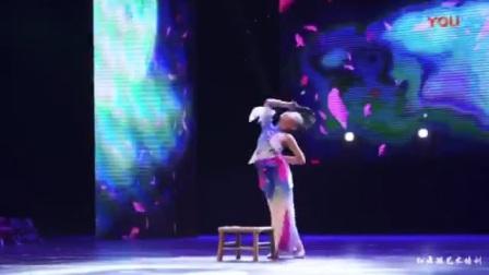 舞蹈我和月亮说句话(宜宾红舞鞋艺术培训)