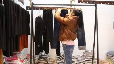 精品女装批发服装批发时尚春秋款牛仔长裤15件起批,可挑款零售混批