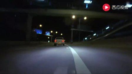 郑伊健和任达华飙车, 赛车改装得太猛, 无法控制直接飞下桥底