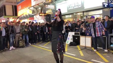 香港街头艺人彭梓嘉演唱《梦伴》突发事件与新加坡粉丝通电话