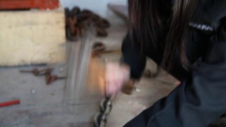 给死刑犯砸脚镣模特演员试镜)真监狱真镣铐拍摄的40集大型禁毒题材电视剧《凋零的罂粟花》