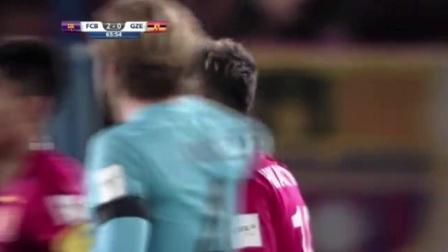 世俱杯苏亚雷斯点球戴帽,巴塞罗那3-0胜广州恒大