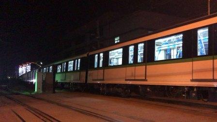 上海地铁二号线四改八0274起步