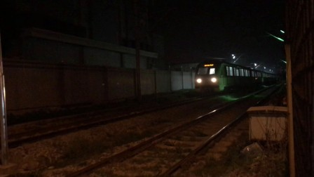 上海地铁二号线扩编车0274起步