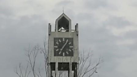 90年代黄山区的第二座钟楼(表已坏,且两面时间不一致)